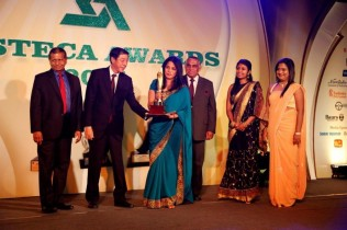 Executive Director of the Hemas Outreach Foundation Shiromi Masakorala receives the award from H. E. Nobuhito Hobo, Ambassador of Japan to Sri Lanka. Also in the picture are Manager Group Sustainability and Corporate Communications Sudharshani Christopher and (extreme right) Hemas Coordinator for Corporate Communications and CSR Mihirani Serasinghe.