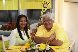 Bianca de Silva, Brand Manager - Marmite, of Unilever Sri Lanka and celebrity Chef Kollu